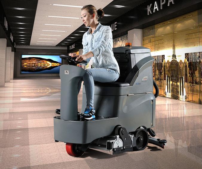 Подметально поломоечные машины с сиденьем