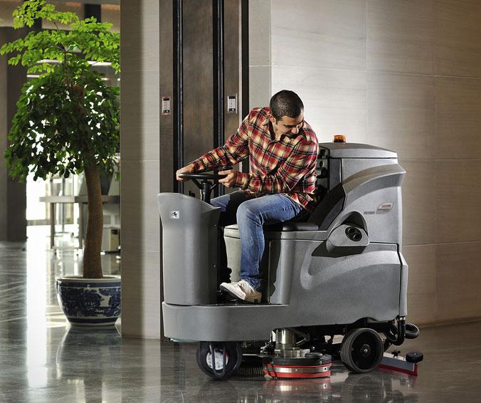 Аккумуляторные поломоечные машины с сиденьем
